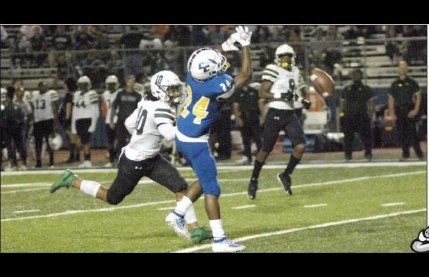 Bulldawgs top Waco, host 12-6A leaders Midway